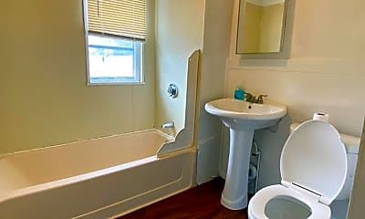 Bathroom, 53 Forest St, 2