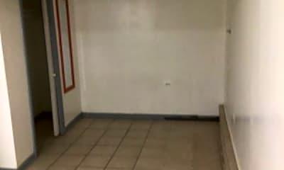 Bathroom, 3318 W Addison St, 2