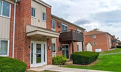Building, Oak Forest Apartments, 1