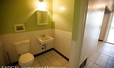 Bathroom, 5315 Mission St, 2
