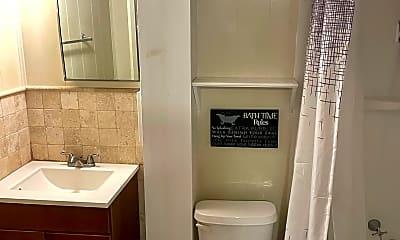 Bathroom, 1601 Kenilworth Ave, 2