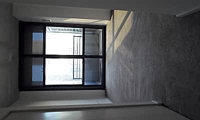 Living Room, 235 W Van Buren St 4116, 1