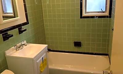 Bathroom, 4926 Battery Ln, 2