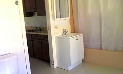 Bathroom, 29 Quaker Hill Rd, 2