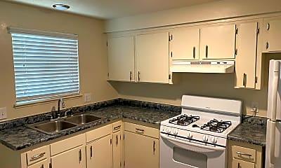 Kitchen, 3426 Woodside Dr, 1
