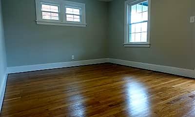 Living Room, 3416 Stuart Ave, 2