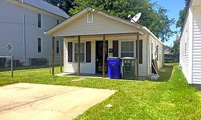 Building, 810 E 27th St, 0