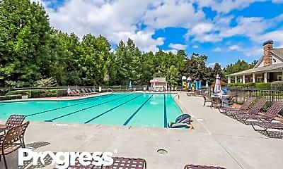 Pool, 199 Diamond Valley Pass, 2