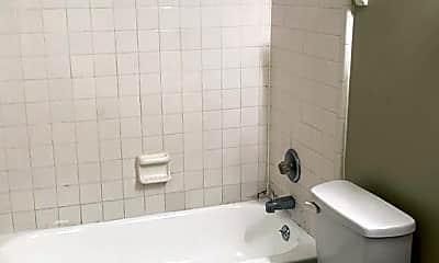 Bathroom, 285 Dixie Dr, 2