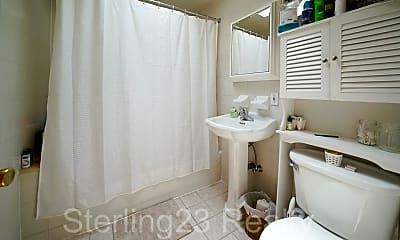 Bathroom, 22-28 27th St, 2