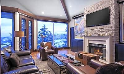 Living Room, 572 N Starwood Rd, 1