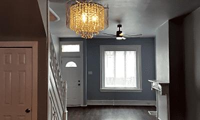 Living Room, 2800 W Albert St, 1