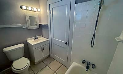 Bathroom, 3303 W Empedrado St, 2