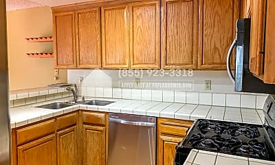 Kitchen, 444 Glenmoor Cir, 1