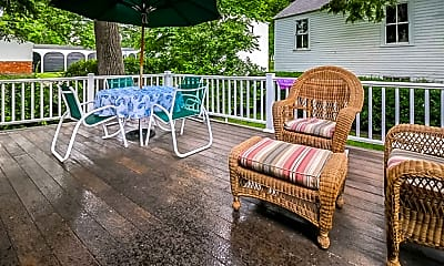 Patio / Deck, 338 Middle Street, 1