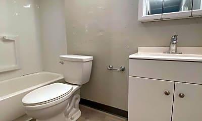 Bathroom, 634 Southcrest Dr, 1