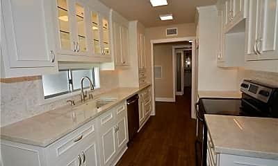 Kitchen, 5301 Balboa Blvd C6, 1