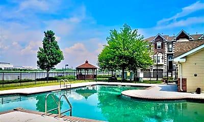 Pool, 29 Mallard Pl, 2
