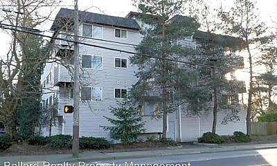 Building, 555 N 105th St, 0