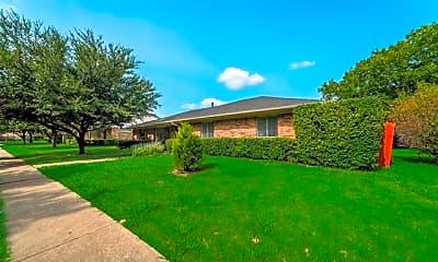 Building, 314 N Wood Dr, 1
