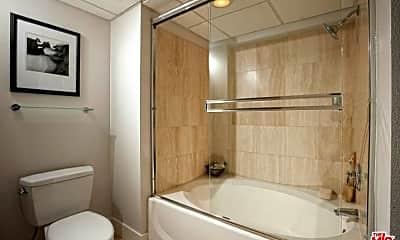 Bathroom, 10833 Wilshire Blvd 406, 1
