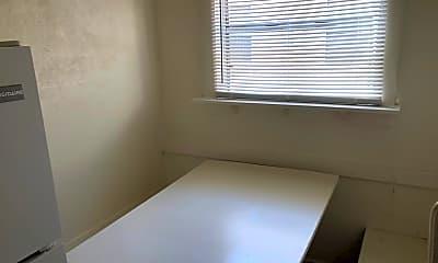 Bedroom, 450 Ohio Ave, 2