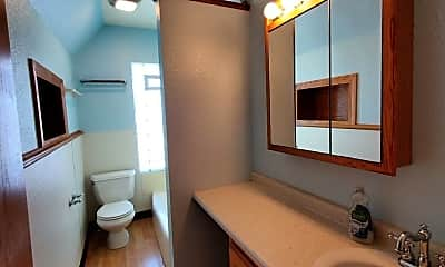Bathroom, 1435 S 9th St, 2