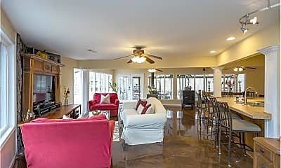 Living Room, 7661 Charlotte Pike, 0