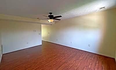 Living Room, 2049 Edgewood Dr, 1