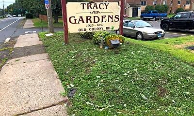 Tracy Gardens, 1