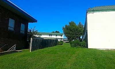 Juniper Hills Apartments, 2
