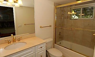 Bathroom, 480 5th St S 202, 2