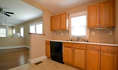 Kitchen, 2228 Commonwealth Ave, 2