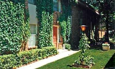 Building, Vines at Meridian, 1