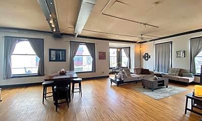 Living Room, 900 S 5th St, 1