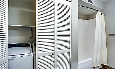 Storage Room, 5819 Glisan, 2