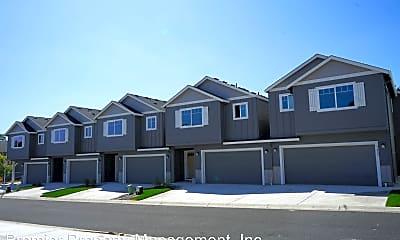 Building, 7400 NE 136th Ave, 1