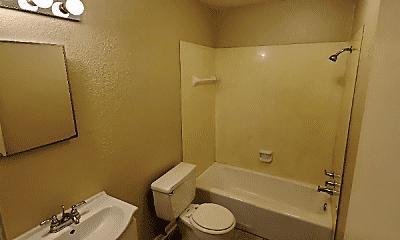 Bathroom, 362 Dees St, 2