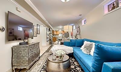 Living Room, 1109 Milwaukee St, 0