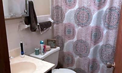 Bathroom, 1701 Kenwood Ave, 2