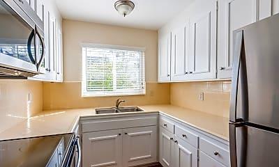 Kitchen, 19 Belle Avenue, Unit 9, 2
