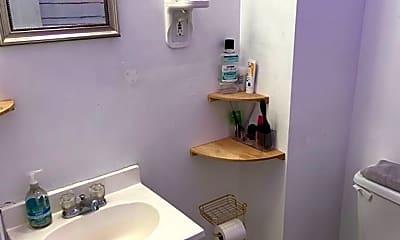 Bathroom, 742 S 8th St, 2