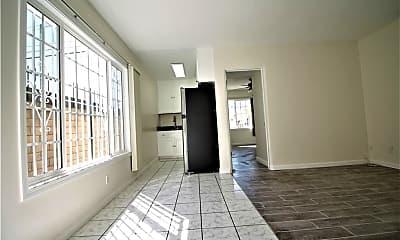Living Room, 3019 E Artesia Blvd 1, 1