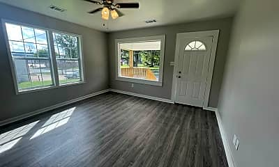 Living Room, 508 W Huntington Ave, 1