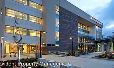 Building, 746 Harvard Ave, 2