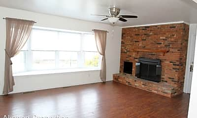 Living Room, 6910 Carriage Hill Dr, 1