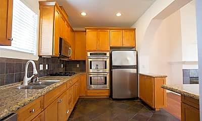 Kitchen, 2013 Vanderbilt Ln B, 1
