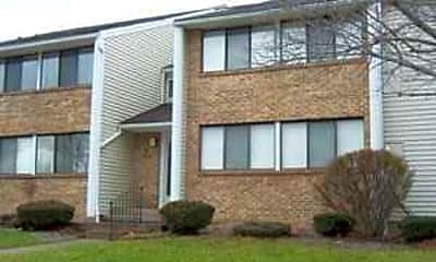 Building, Willow Pond Apartments, 0