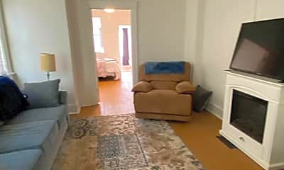 Living Room, 1816 Beaver Rd, 1