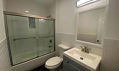 Bathroom, 148 N 5th Ave, 2